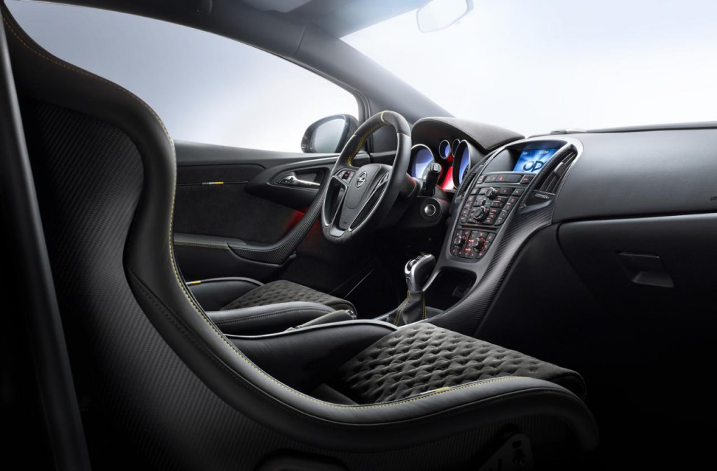 Opel Astra OPC Extreme 5